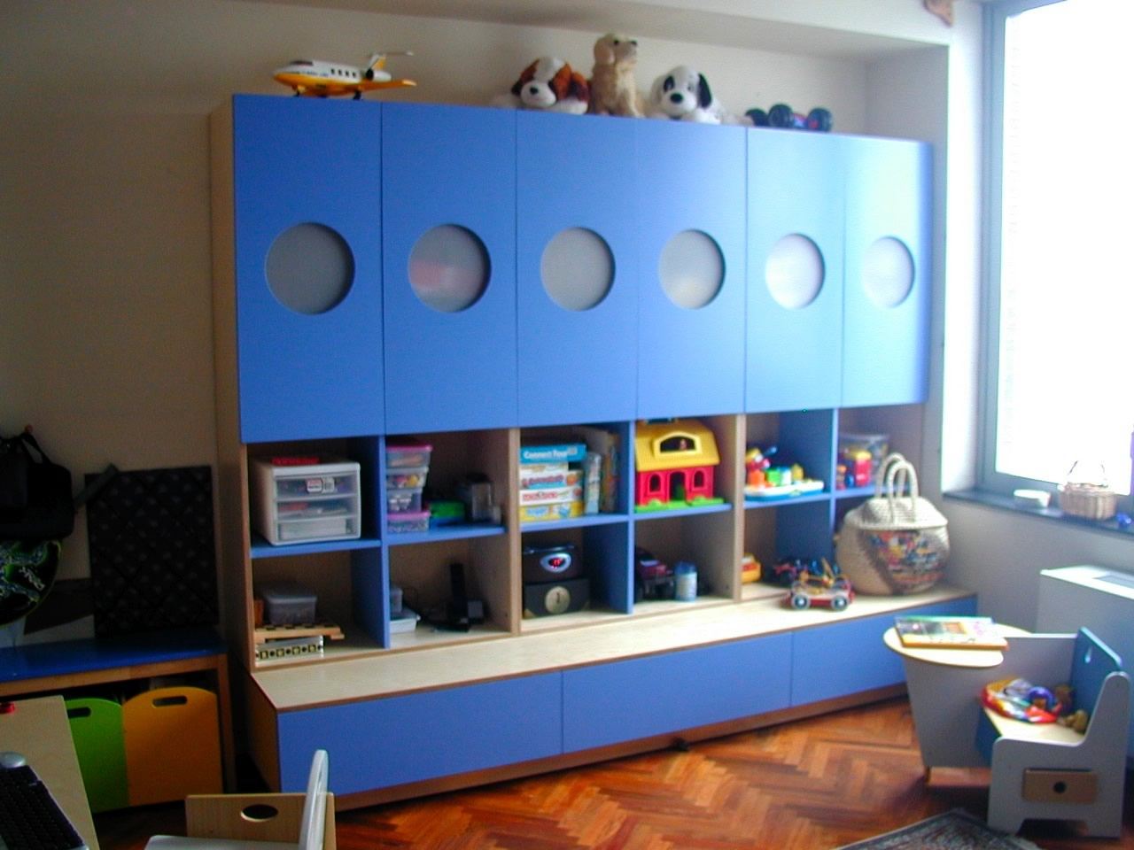 Casa kids muebles minimalistas para ni os decototal for Pegatinas infantiles para muebles