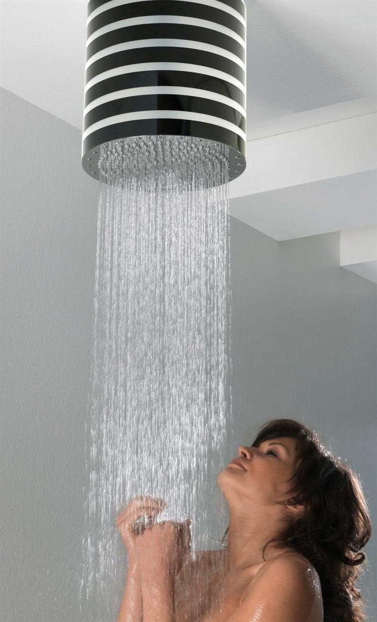 Bossini duchas de puro dise o decototal - Disenos de duchas ...