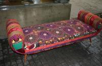 BOKJA sillones tapizados con diseños del medio oriente